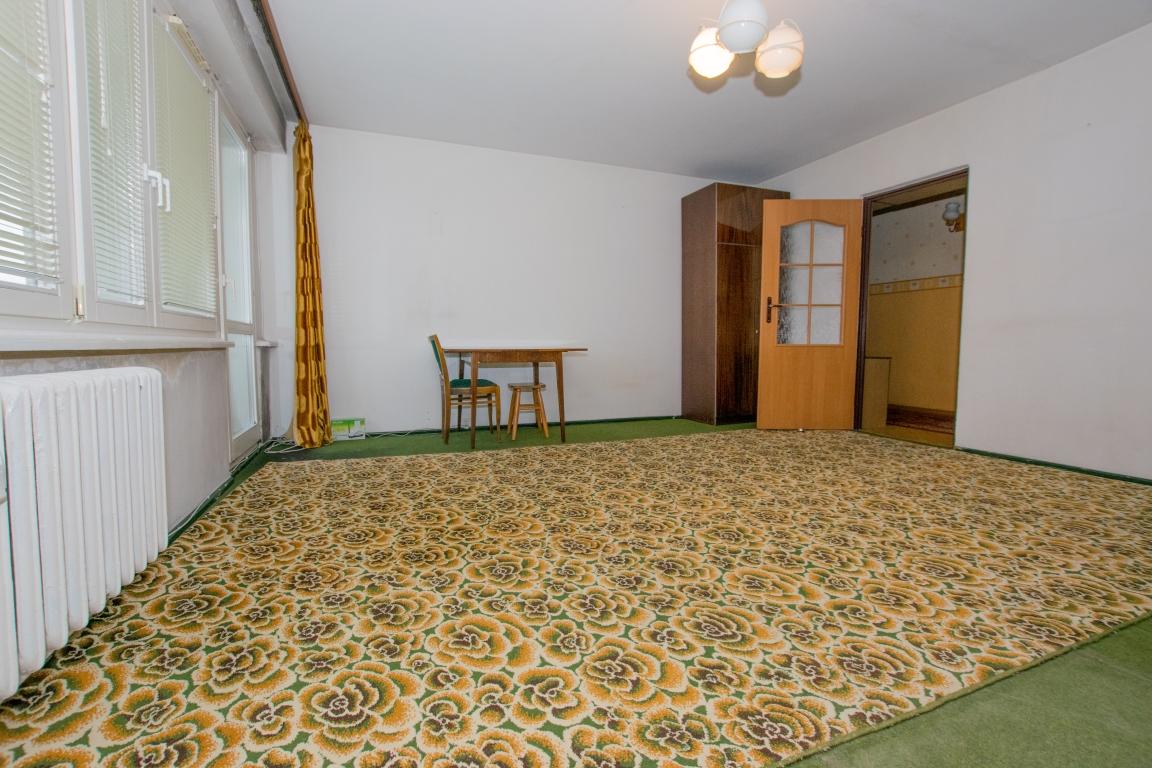 Mieszkanie 3-pokojowe 61m2, do remontu. os.Północ.