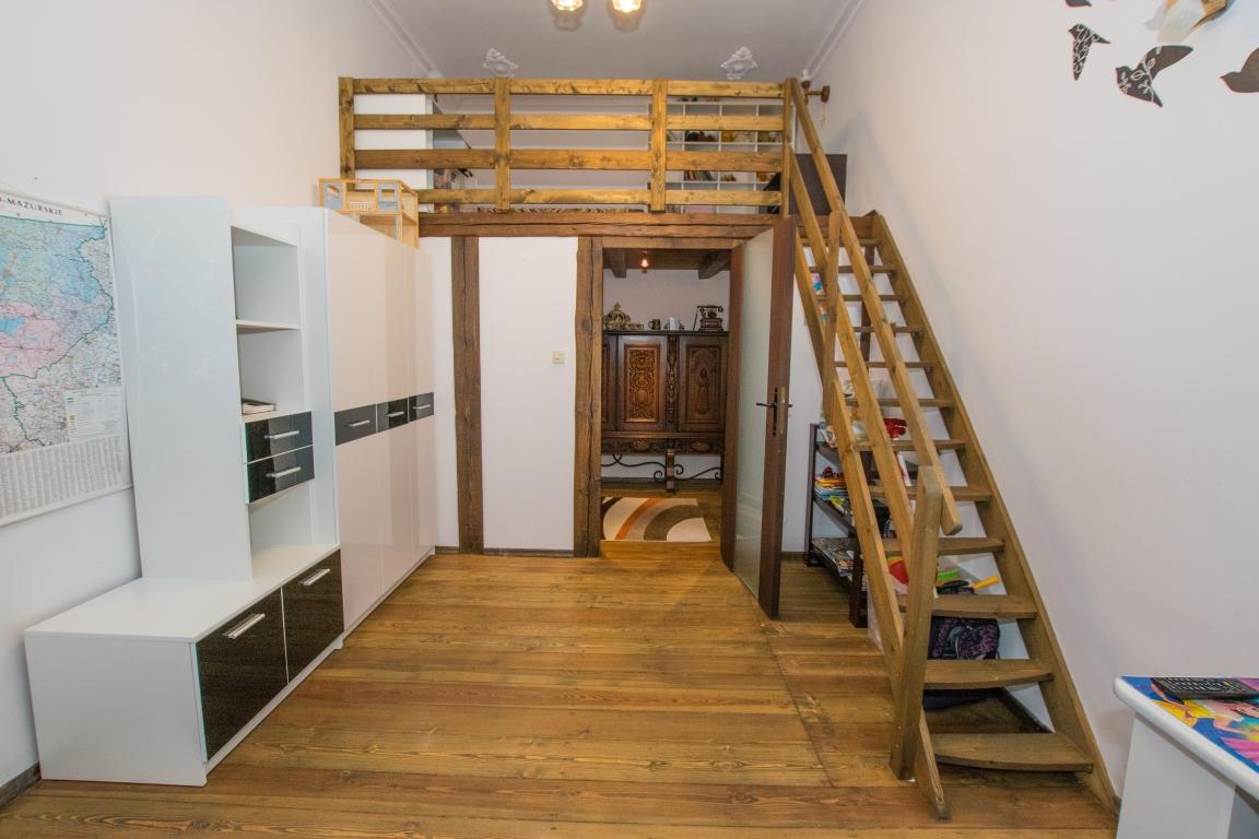 Oryginalny apartament 116m2, II piętro, os.Północ.