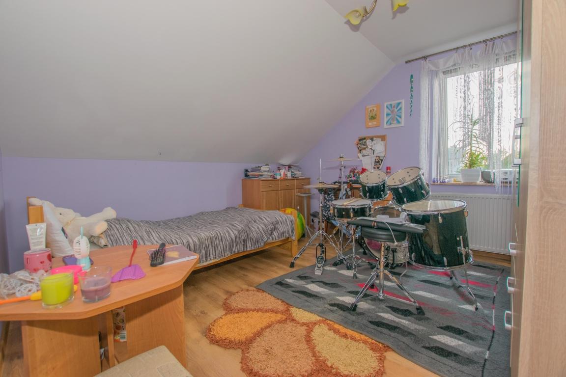 Dom powierzchni użytkowej 105m2 z piwnicą i garażem w mieście Suwałki.